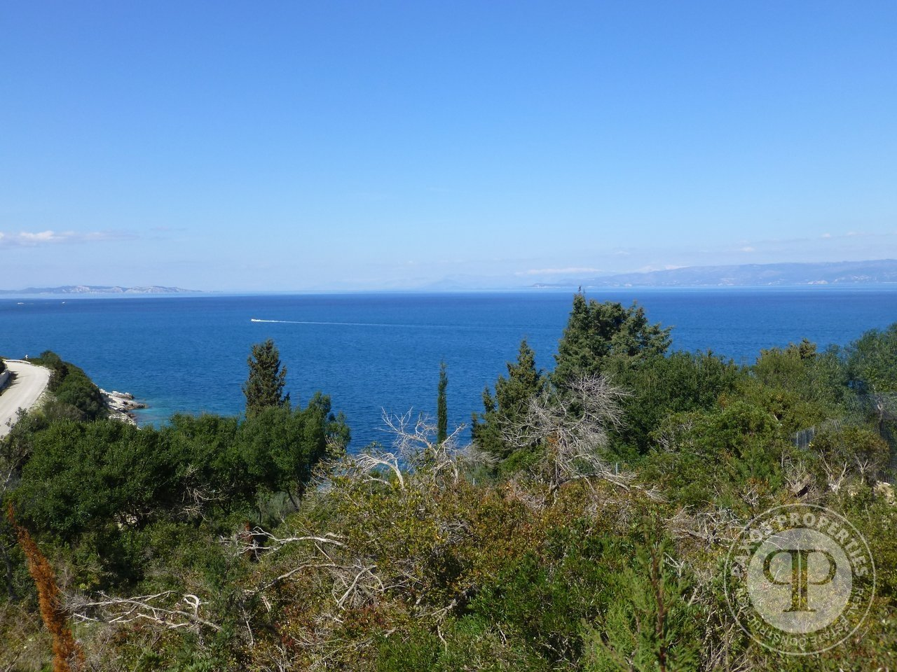 For sale Plot of land  with building permit 640.000€ Kloni Gouli (code F-112)