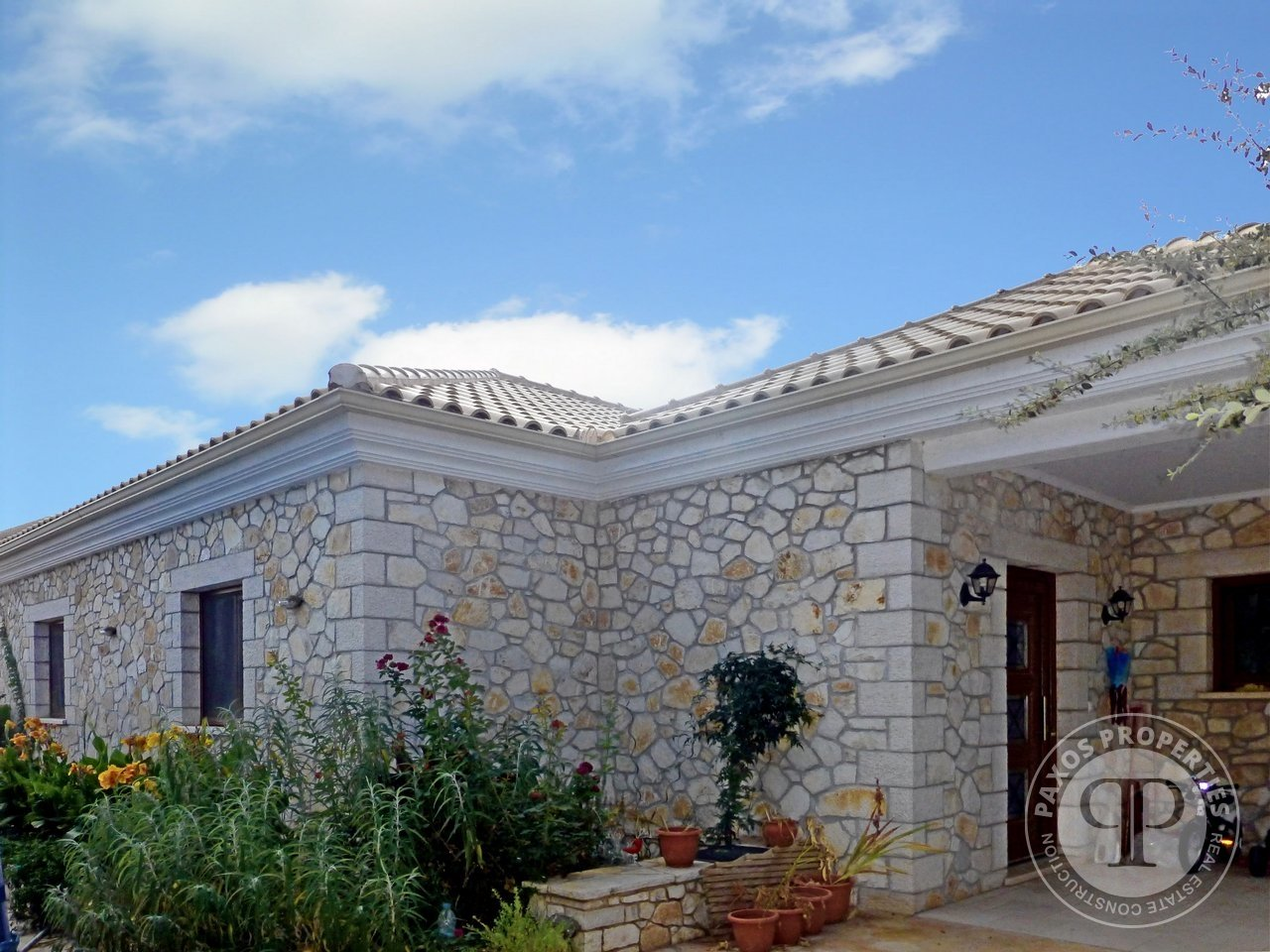 For sale Detached house 550.000€ Geromonaxos (code F-68)