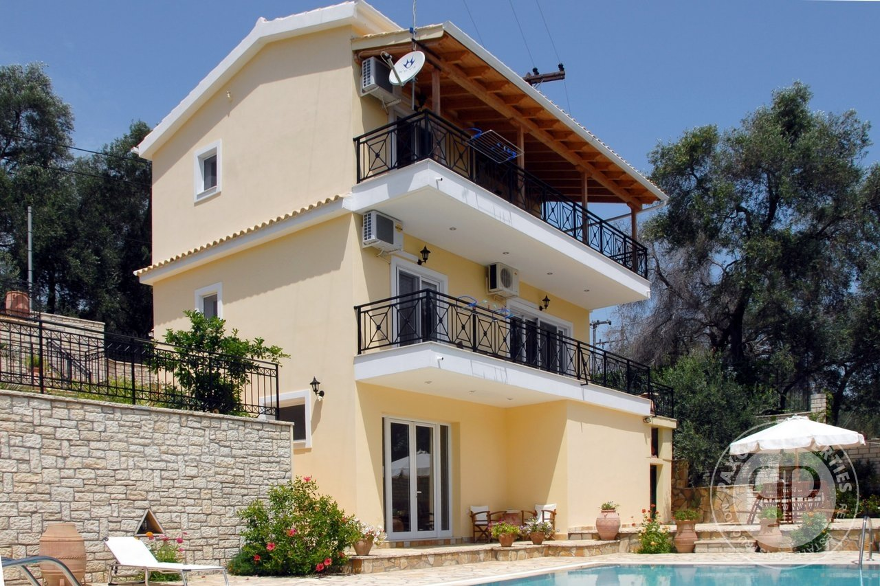 For sale Villa 460.000€ Ozias (code F-73)